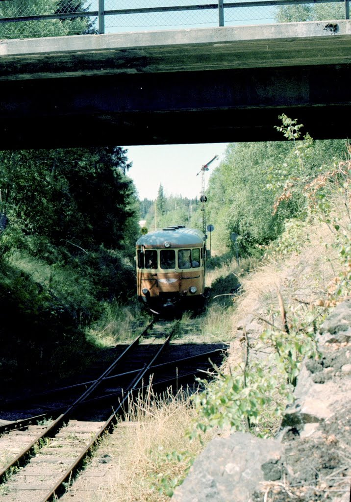 Rälsbuss vid spårkorset i Åseda